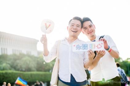 同志婚紗:海蛙攝影:austin:hiwow.studio:婚姻平權:LGBT:情侶寫真:凱達格蘭大道:2018台北同志大遊行30
