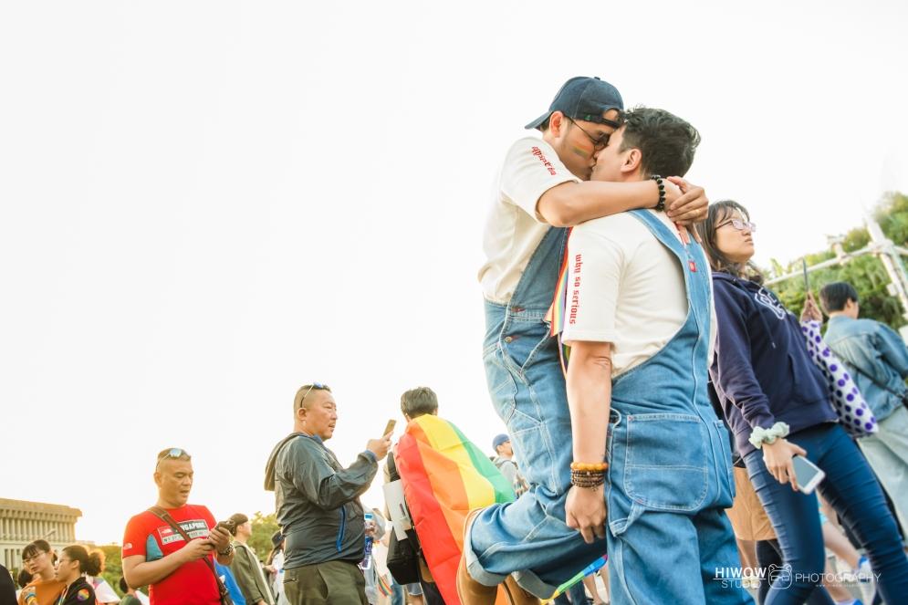 同志婚紗:海蛙攝影:austin:hiwow.studio:婚姻平權:LGBT:情侶寫真:凱達格蘭大道:2018台北同志大遊行49