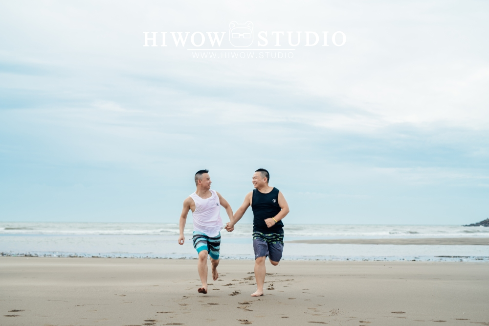 同志婚紗 海蛙攝影 hiwow.studio 情侶寫真 生活風 日常 海邊 淡水18-1