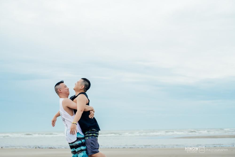 同志婚紗 海蛙攝影 hiwow.studio 情侶寫真 生活風 日常 海邊 淡水20-1