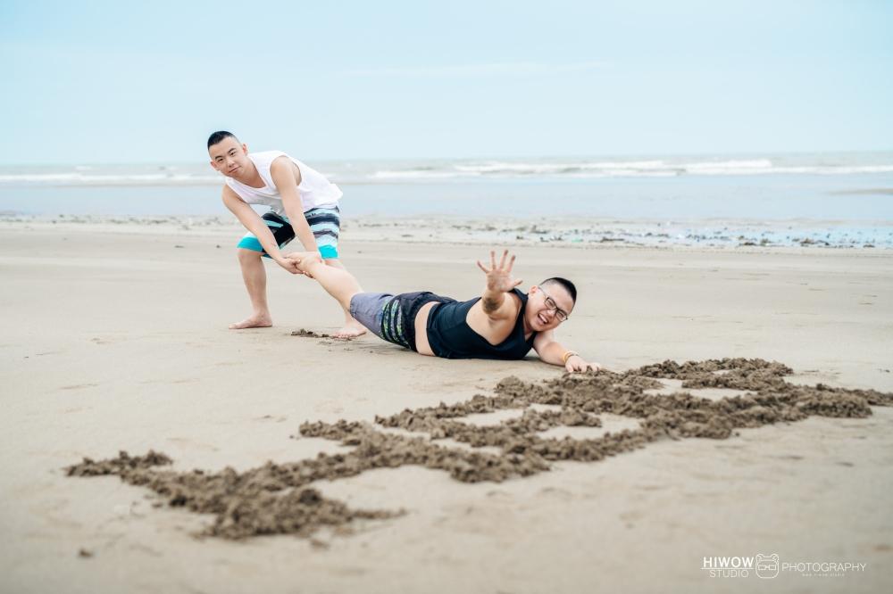 同志婚紗 海蛙攝影 hiwow.studio 情侶寫真 生活風 日常 海邊 淡水27